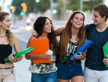 Incontrare nelle scuole i ragazzi delle secondarie di secondo grado, una sfida stimolante.
