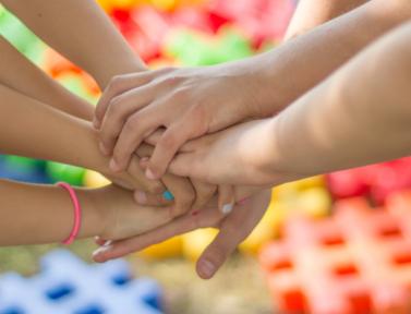 Organizziamo un' estate diversa. Come aiutare chi educa a ridare slancio a bambini e ragazzi con una pianificazione intelligente